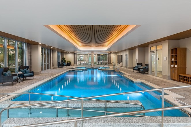 Assisted living with an indoor pool at The Vista in Dallas